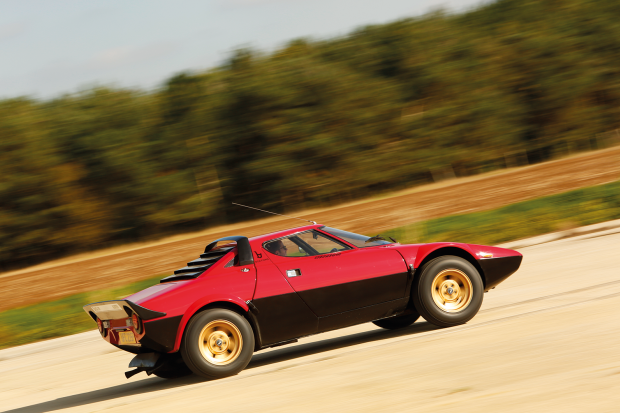 Classic-Sports-Car-–-Lancia-Stratos-gallery-–-_P6A4086_0.png