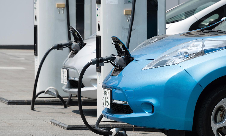 electric-cars-charging1500x900.jpg