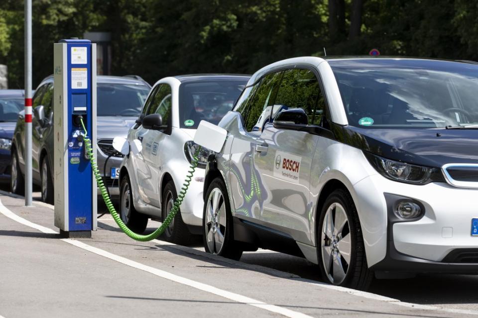 electric_car_0.jpg