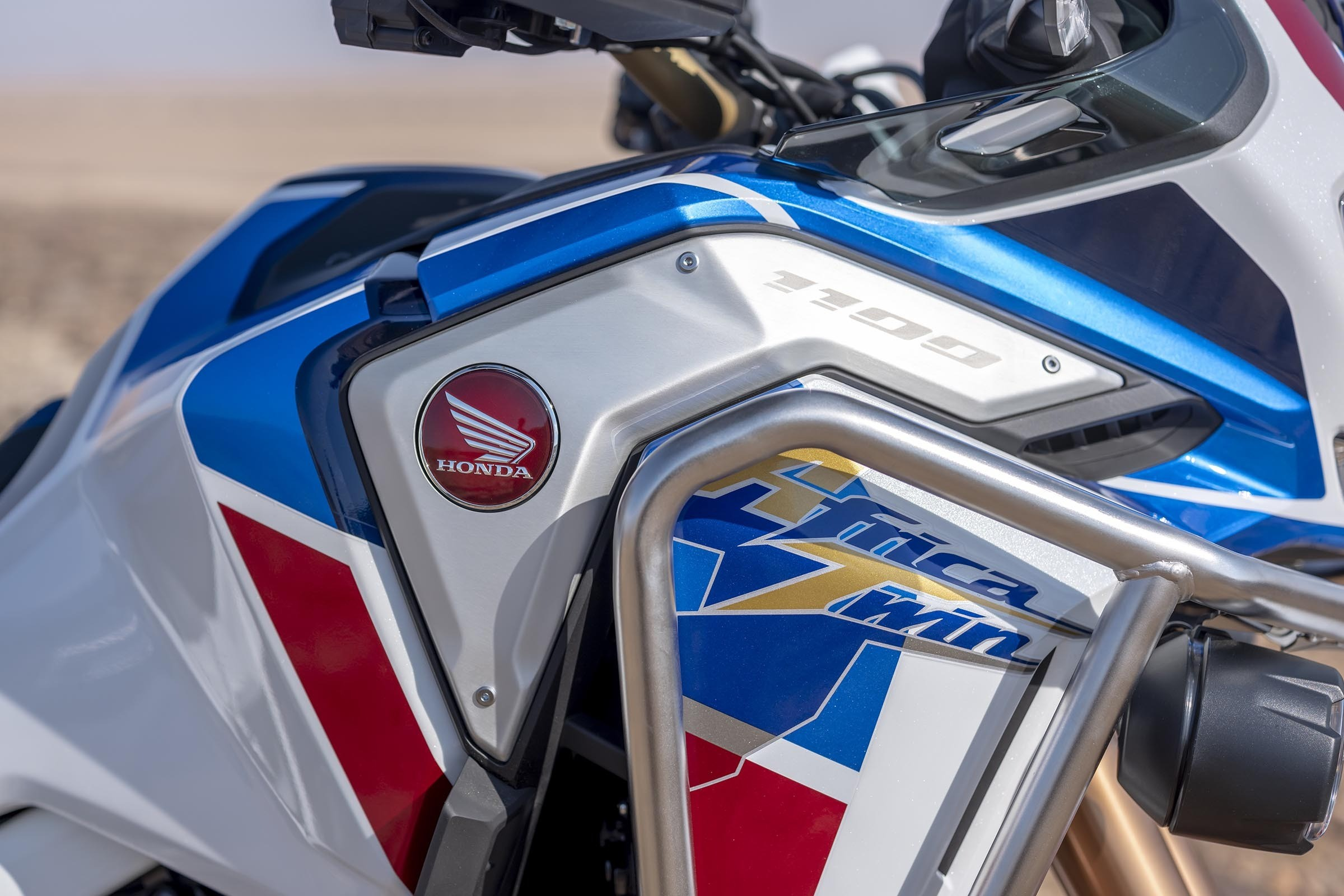 honda-petitioned-to-bring-android-auto-to-africa-twin-bikes_5.jpg