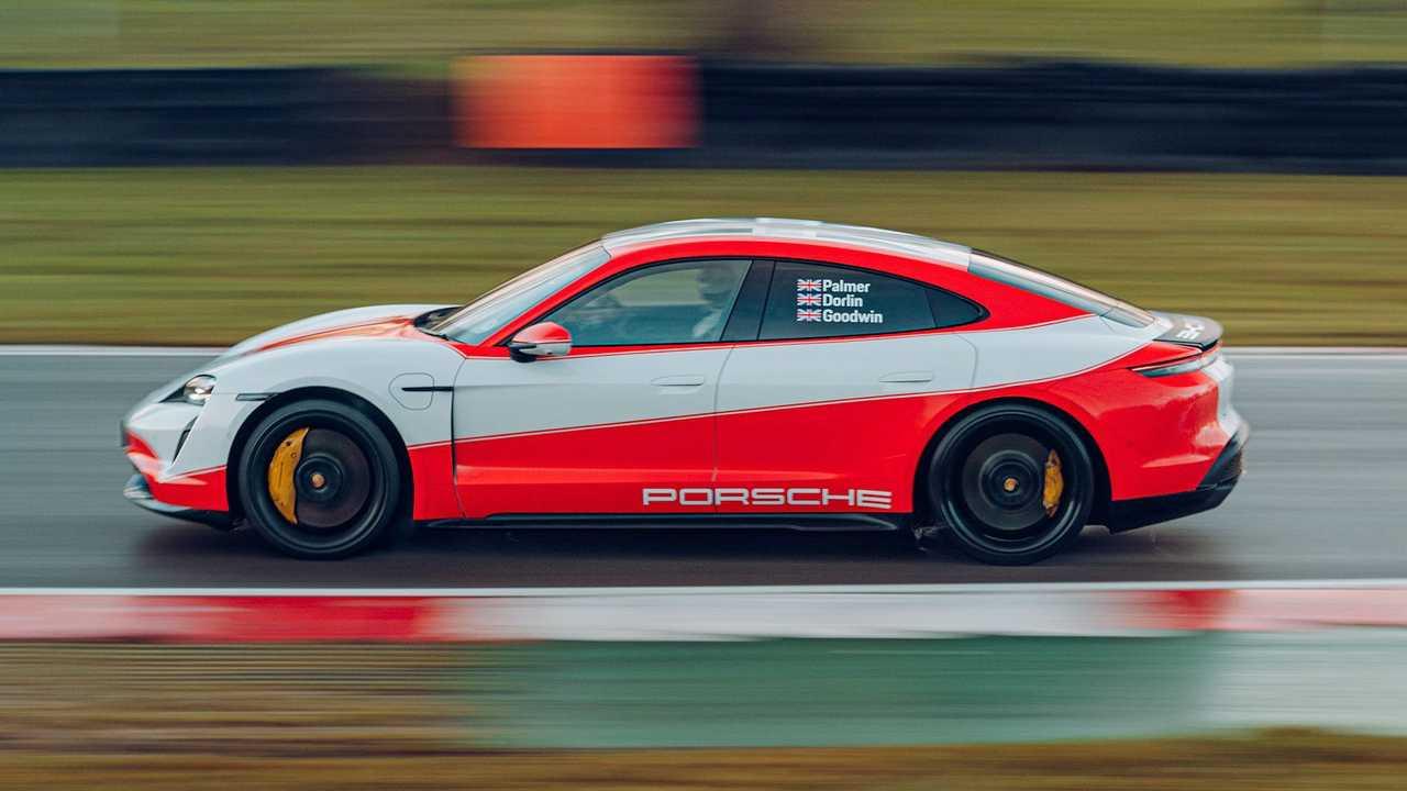 porsche-taycan-turbo-s.jpg