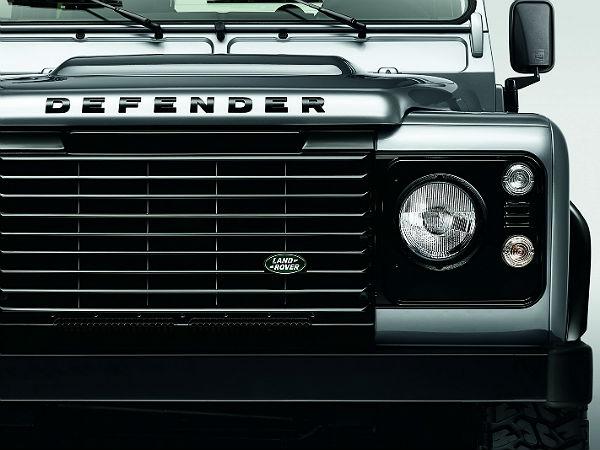 21-1392982083-land-rover-defender-black-silver-3-29-1454042496.jpg