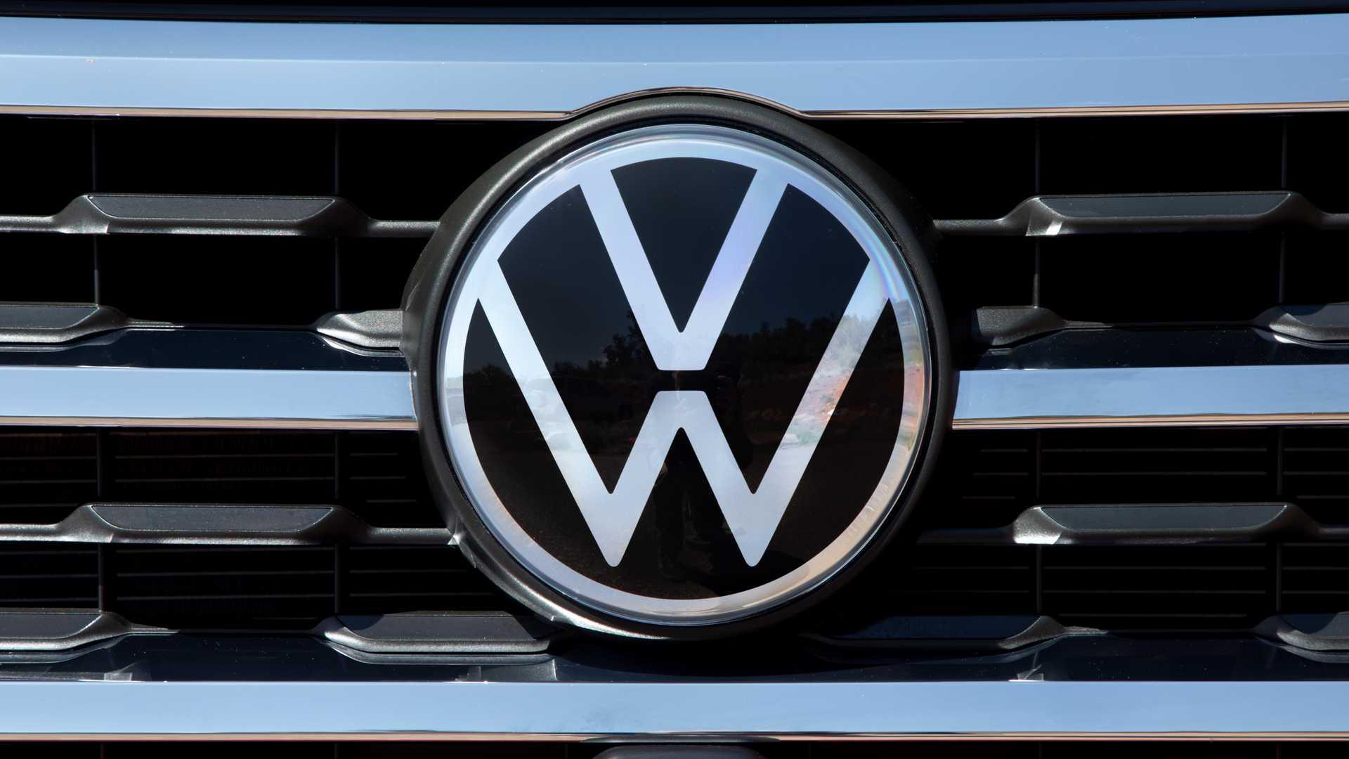 new-volkswagen-logo.jpg