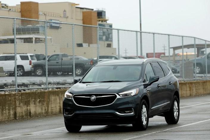 GM total U.S. sales rises now