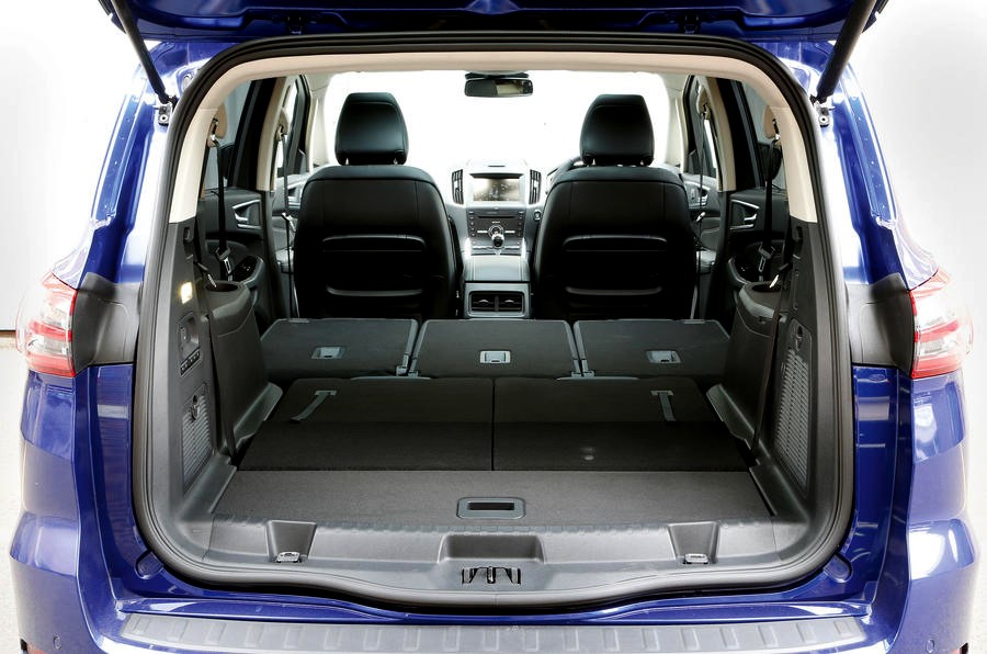 Ford S-Max -trunk space - GoodAutoDeals