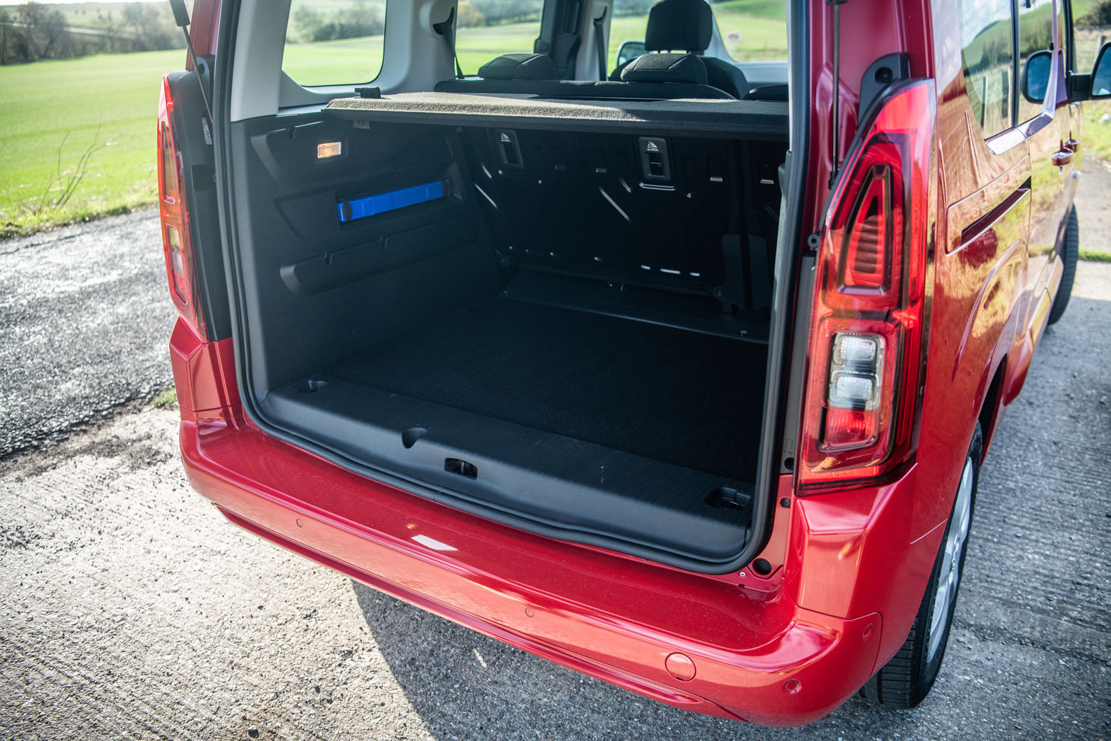 Combo Life - Trunk capacity- GoodAutoDeals