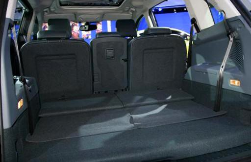 Ford Grand C-Max- trunk -